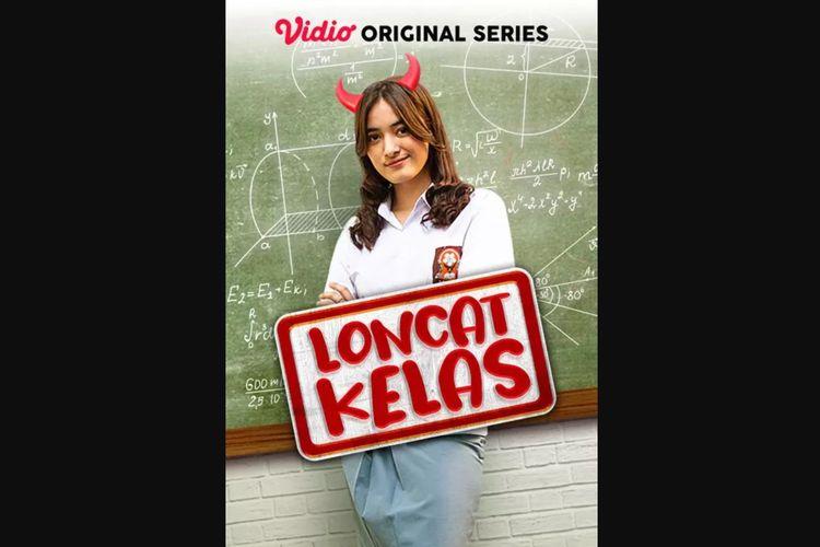 Mawar de Jongh dalam serial komedi Loncat Kelas (2020).