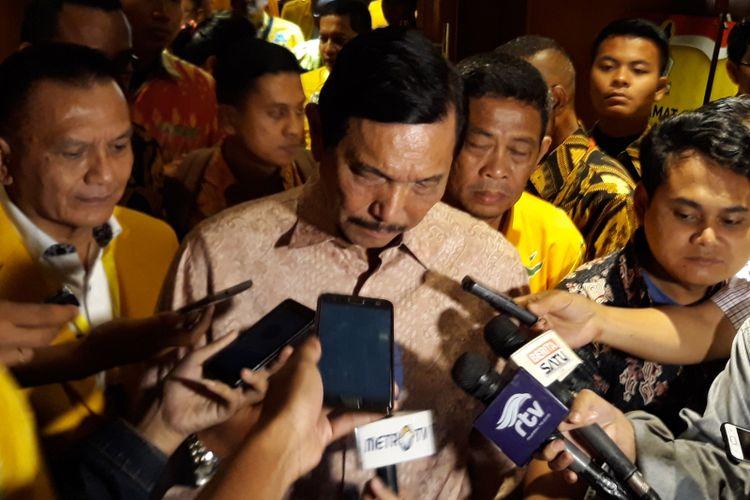 Menteri Koordinator Bidang Kemaritiman Luhut Binsar Pandjaitan menjadi salah satu pembicara dalam acara Orientasi Fungsionaris Pusat Partai Golkar di Jakarta Pusat, Minggu (7/4/2018).