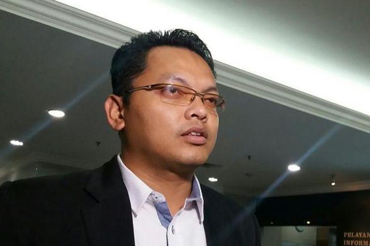 Juru Bicara Mahkamah Konstitusi, Fajar Laksono, saat ditemui di Gadung Mahkamah Konstitusi, Jakarta, Rabu (23/12/2015).
