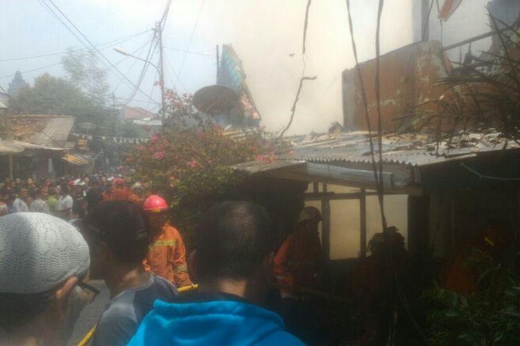 Enam rumah di Kramat Jati terbakar, Jumat (27/10/2017) siang.