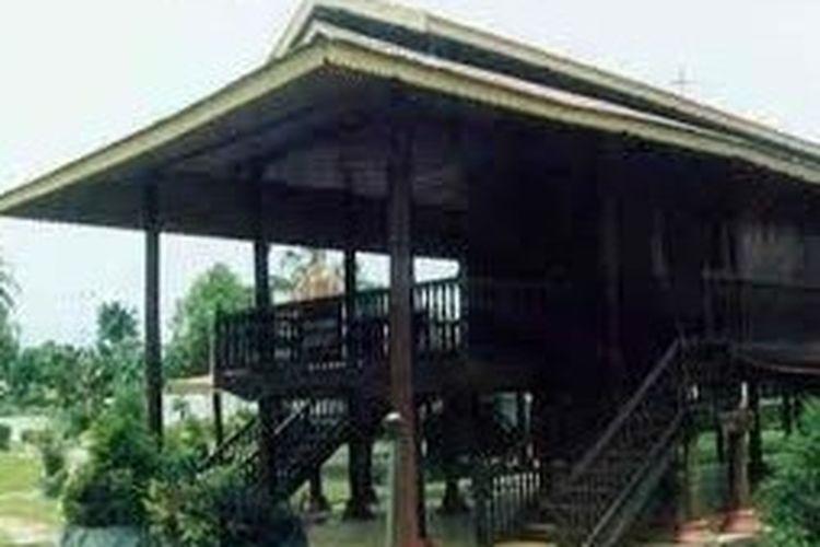 Rumah Adat Dulohupa Provinsi Gorontalo