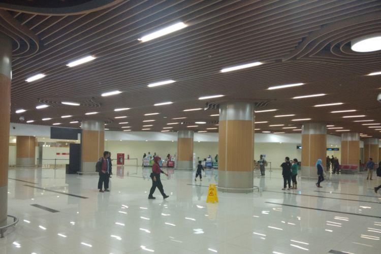 Suasana di Bandara Kertajati yang terpantau minim aktivitas jelang pemulangan 69 ABK Diamond Princess, Minggu (1/3/2020) malam.
