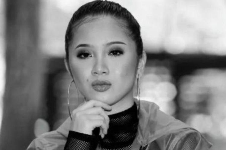 Penyanyi asal Malaysia, Sandra Dianne