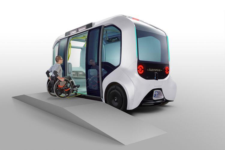 Toyota e-Palette berikan kemudahan akses keluar masuk bagi pengguna kursi roda