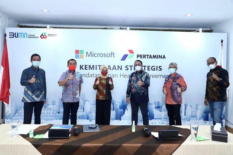 (Penandatanganan head of agreement antara Pertamina dan Microsoft dalam upaya memperkuat digitalisasi sektor hulu hingga hulir di Jakarta, Jumat (8/1/2021) / DOK. Pertamina)