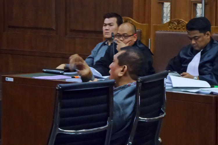 Mantan Ketua Komisi II DPR, Chairuman Harahap, di Pengadilan Tipikor Jakarta, Senin (11/9/2017).