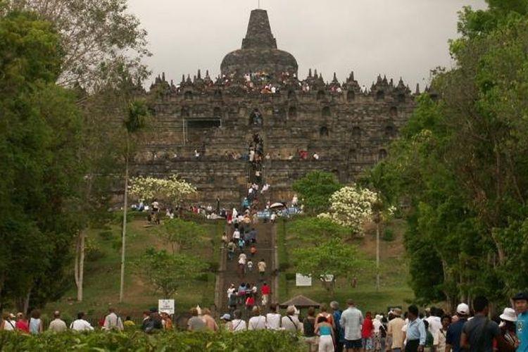 Pakai Aplikasi Ponsel Pengelola Candi Borobudur Akan Batasi