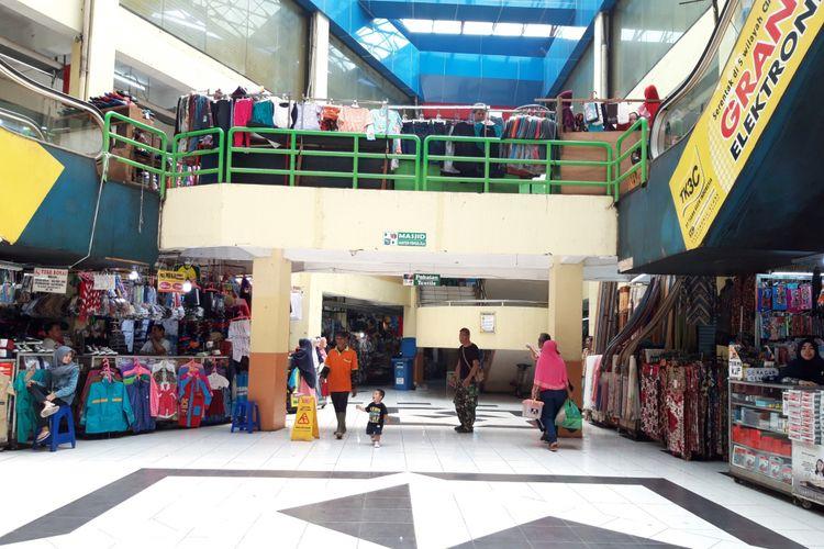 Lobi utama Pasar Kramatjati, jakarta timur, Senin (22/10/2018).
