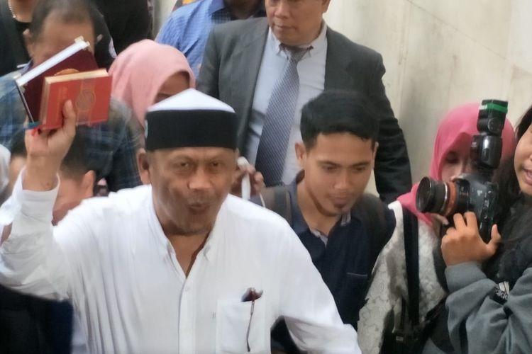 Calon legislatif (Caleg) Partai Amanat Nasional (PAN) Eggi Sudjana memenuhi panggilan penyidik Polda Metro Jaya, Senin (13/5/2019).