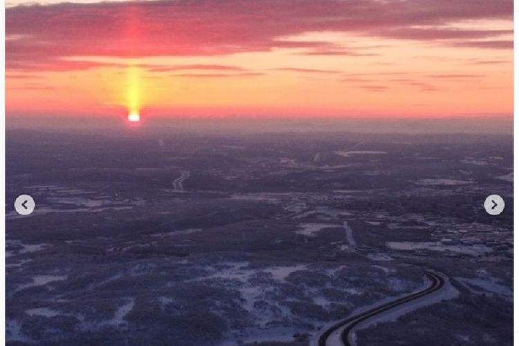 Matahari terbit di Murmansk setelah malam kutub yang panjang selama 40 hari.