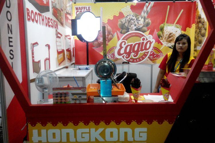 Booth Eggio Waffle Hong Kong dalam pameran waralaba di Jakarta Convention Center.