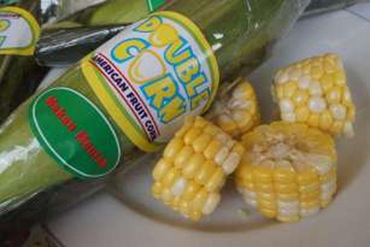 Jagung manis asal Amerika yang ditanam di Banyuwangi, Jawa Timur ini bisa langsung dikonsumsi tanpa perlu direbus.