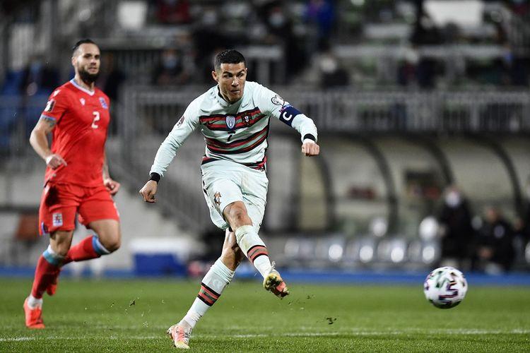 Penyerang Portugal, Cristiano Ronaldo, beraksi pada laga lanjutan Kualifikasi Piala Dunia 2022 Zona Eropa kontra Luksemburg, Rabu (31/3/2021) dini hari WIB.