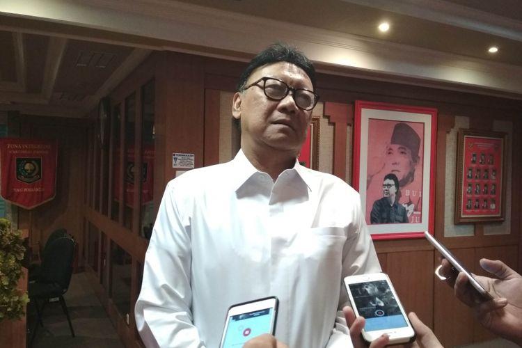 Menteri Dalam Negeri, Tjahjo Kumolo Ketika Ditemui di Kemendagri, Jakarta, Selasa (16/5/2017).