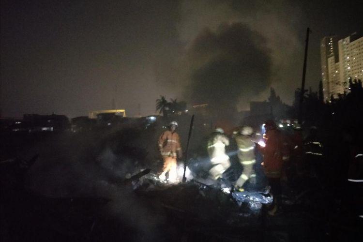 Kebakaran yang menghanguskan delapan rumah warga di Sukapura, Cilincing, Jakarta Utara pada Selasa (6/8/2019)