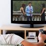 Nonton TV sampai Tertidur Memicu Masalah Kesehatan, Ini Penjelasannya