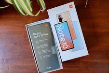 Membuka Kotak Kemasan dan Menilik Desain Xiaomi Redmi Note 10 Pro