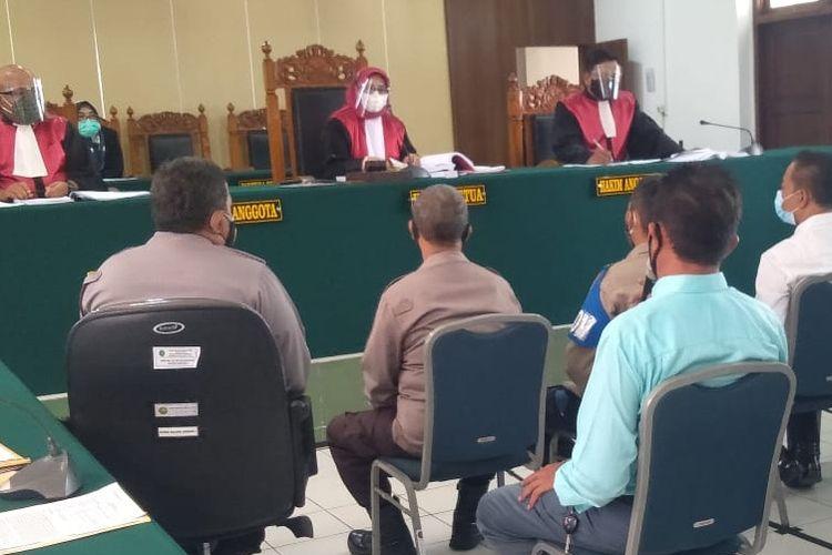Sejumlah saksi dihadirkan dalam lanjutan sidang konser dangdut dengan terdakwa Wakil Ketua DPRD Kota Tegal Wasmad Edi Susilo di Pengadilan Negeri Tegal, Selasa (1/12/2020)