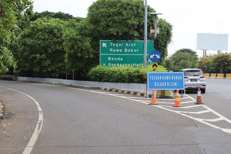 Jalan Tol Cengkareng-Batu Ceper-Kunciran akses keluar Rawa Bokor Jalan Tol Sedyatmo tak lagi difungsikan mulai Rabu, (1/4/2020).