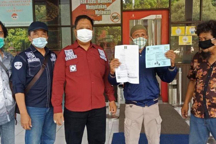 Kasim Khow (kedua dari kanan) bebas dari Lapas Porong Sidoarjo, Sabtu (28/11/2020).
