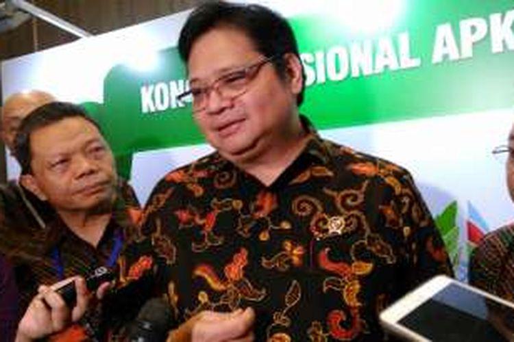 Menteri Perindustrian Airlangga Hartarto dalam Kongres Asosiasi Pulp dan Kertas Indonesia (APKI) 2016 di Jakarta, Rabu (19/10/2016).