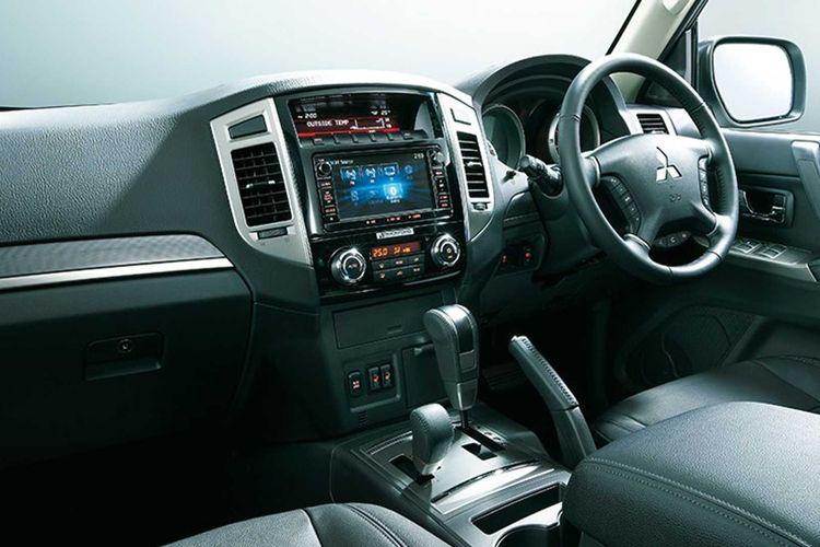 Ilustrasi interior Mitsubishi Pajero V80