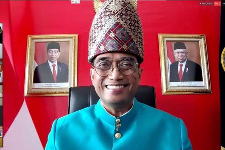Menhub Budi Karya Sumadi, saat menjadi pembicara kunci pada Webinar Peran Transportasi untuk Merajut Keberagaman.