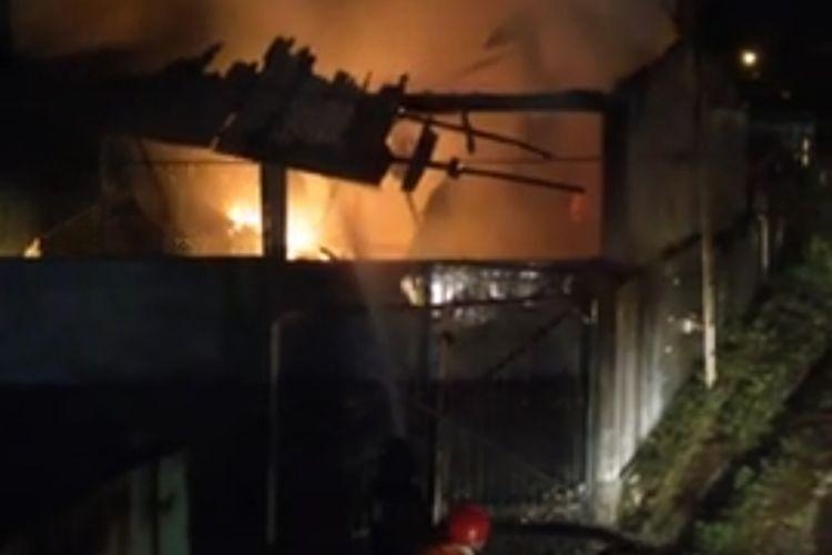Rumah Sakit Umum Daerah (RSUD) Tanjungpinang sekitar pukul 00.00 WIB, Selasa (11/8/2020) terbakar hebat.