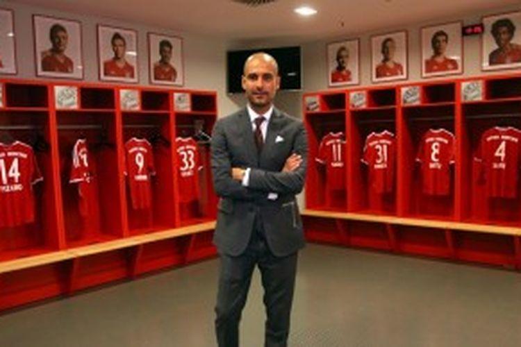 Pelatih Bayern Muenchen, Pep Guardiola, di ruang ganti klubnya.