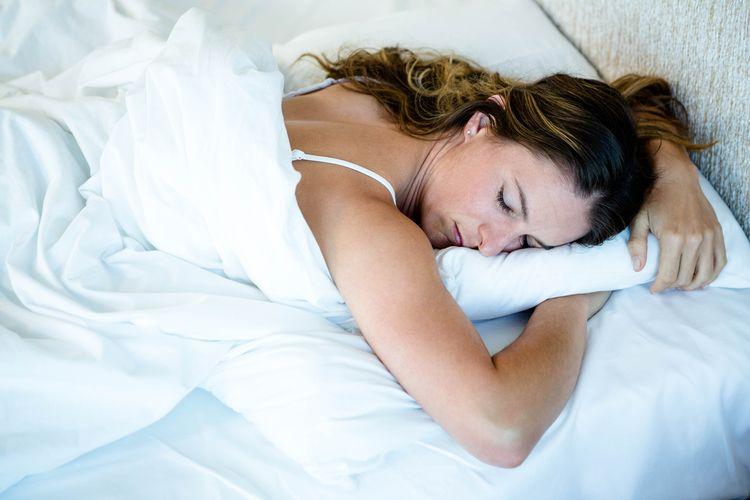 Ilustrasi tidur tengkurap