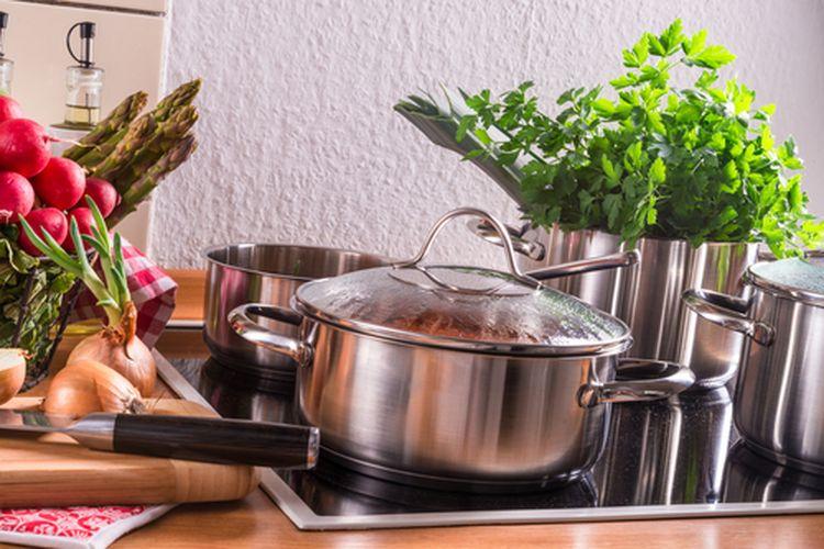 Peralatan dapur dari stainless steel memerlukan perawatan khusus agar tetap awet.