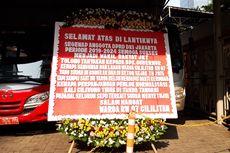 Karangan Bunga untuk DPRD DKI, Anies Ikut Disindir soal Ganti Rugi Normalisasi