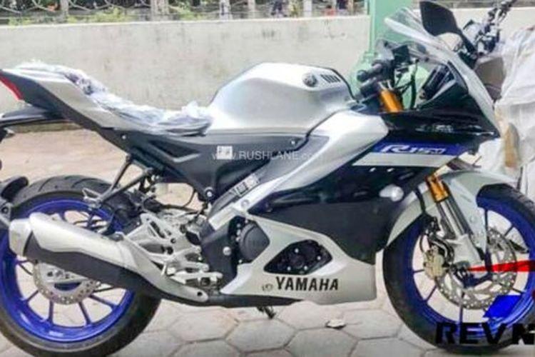 Yamaha R15M sudah hadir di diler