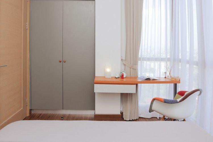 Ilustrasi ruang kerja ala Skandinavia yang menyatu dengan kamar tidur