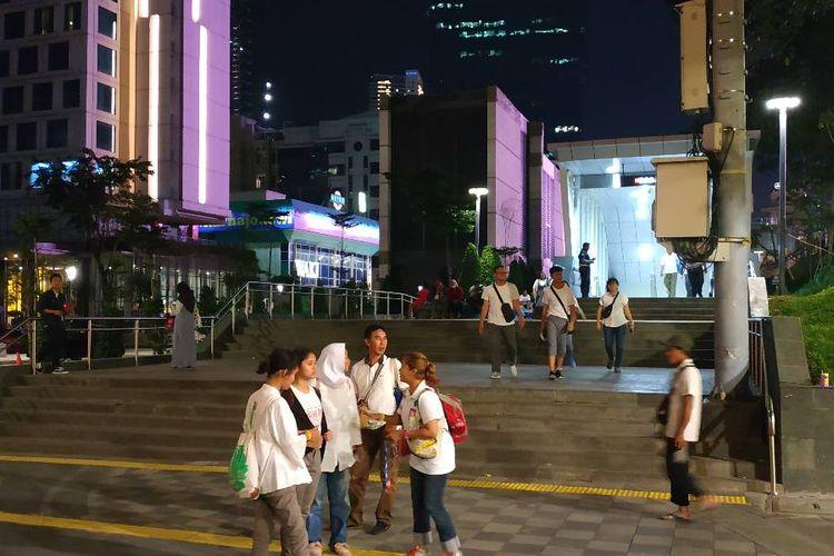 Penampakan akses menuju Stasiun MRT Dukuh Atas dari Stasiun KA Bandara BNI City.