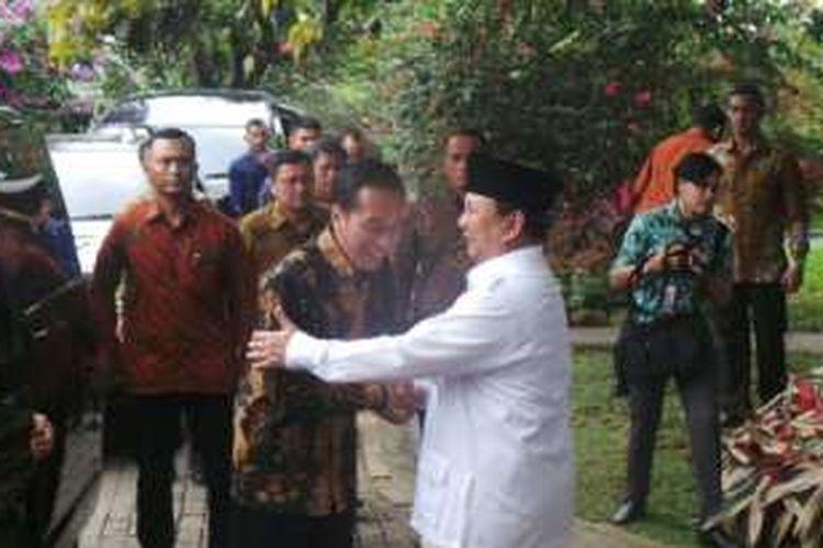 Ketua Umum Partai Gerindra Prabowo Subianto saat menerima Presiden Joko Widodo di Hambalang, Bogor, Senin (31/10/2016).