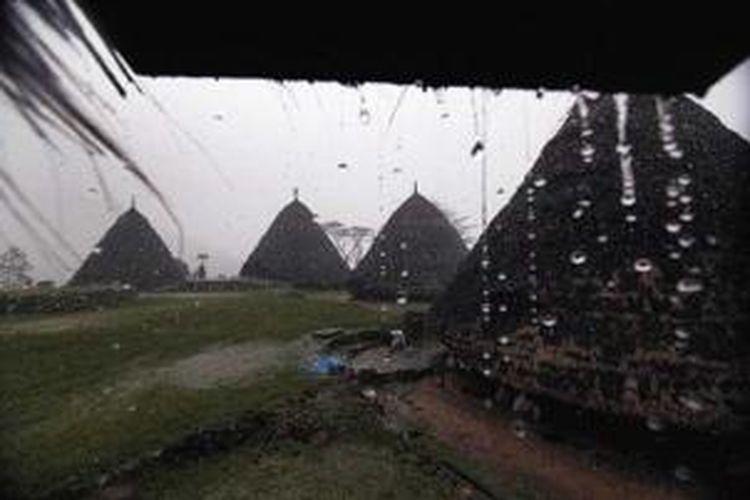 Kampung Wae Rebo, Desa Satar Lenda, Kecamatan Satar Mese Barat, Kabupaten Manggarai, Nusa Tenggara Timur.