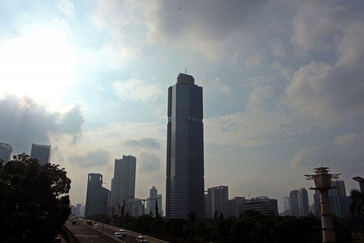 Gama Tower, Kuningan, Jakarta, Senin (12/02/2018).