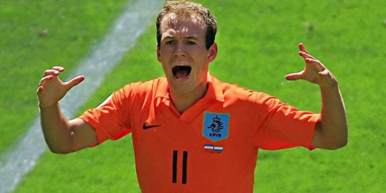 Ekspresi Arjen Robben setelah mencetak gol untuk timnas Belanda ke gawang Serbia & Montenegro di partai Piala Dunia 2006 di Leipzig, 11 Juni 2006.