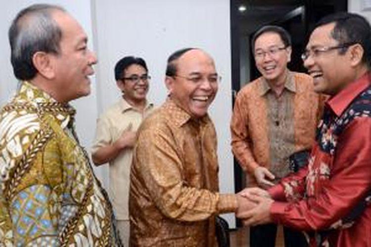 Menteri Perindustrian (kanan) menerima kunjungan Ketua Gaikindo dan eksekutif Grup Astra.