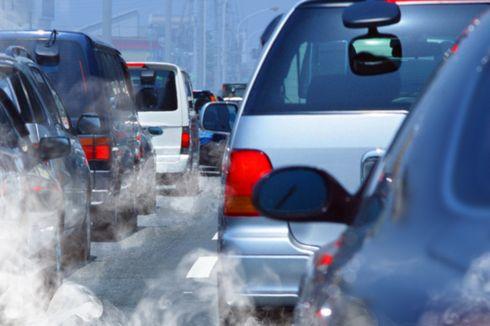 Video Viral Mobil Keluarkan Asap Putih Pekat Disebut sebagai Diesel Runaway, Apa Itu?