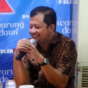 Peneliti sosial politik Universitas Negeri Jakarta (UNJ) Ubedilah Badrun dalam sebuah diskusi Dramaturgi Ahok di kawasan Cikini, Jakarta Pusat, Sabtu (13/5/2017).