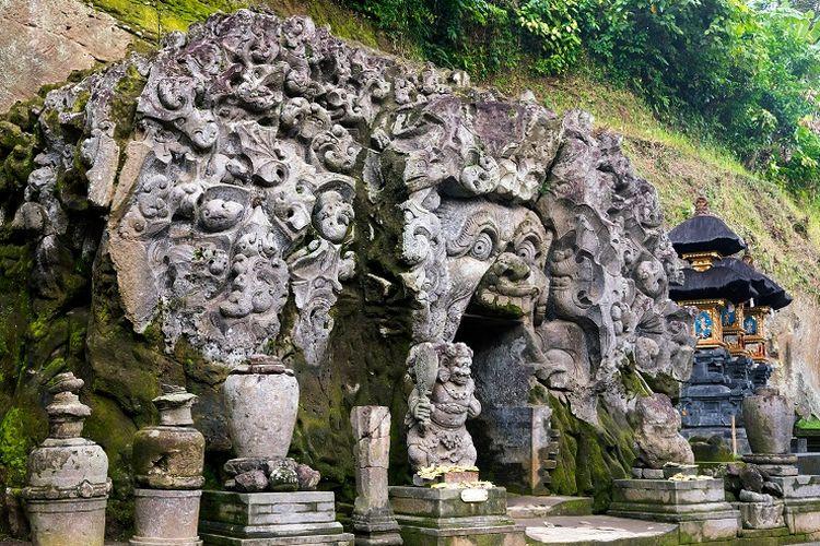 Ilustrasi Bali - Pura Goa Gajah di Kabupaten Gianyar, Bali.