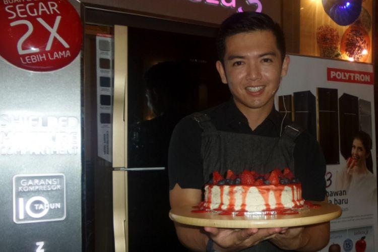 Nicky Tirta diabadikan usai peluncuran produk elektronik di Hotel Kempinski, Jakarta Pusat, Rabu (12/7/2017).