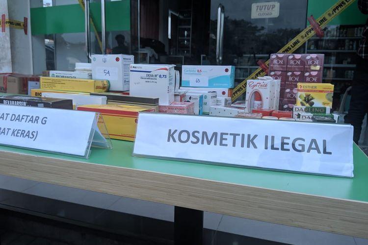 Obat keras dan kosmetik ilegal disita BPOM dari Toko Kosmetik Perancis di Mall Bandara City Tangerang, Selasa (3/12/2019)