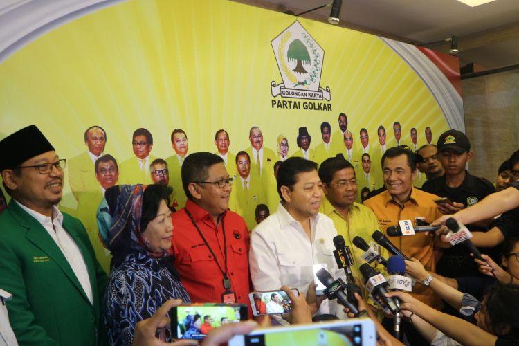 Elite Parpol pendukung Ahok-Djarot berkumpul di Kantor DPP Partai Golkar, Jakarta, Jumat (17/3/2017).