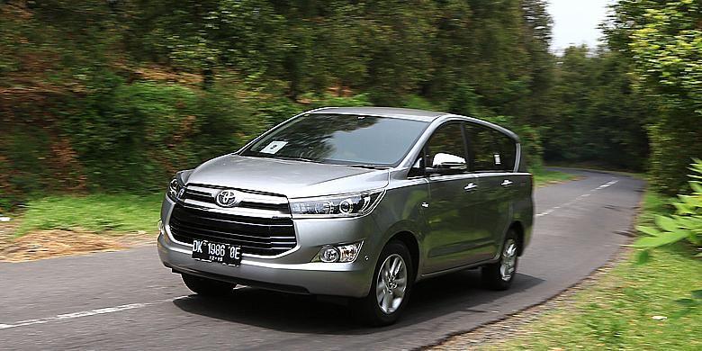 Toyota Kijang Innova saat di tes di Bali (3 -5 Desember 2015)