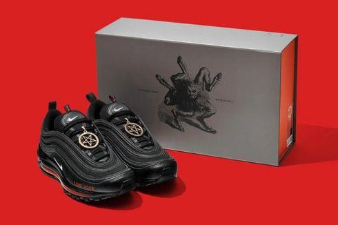 """Diblokir Nike, Pembuat """"Sepatu Setan"""" Klaim Produknya Hanya Karya Seni"""