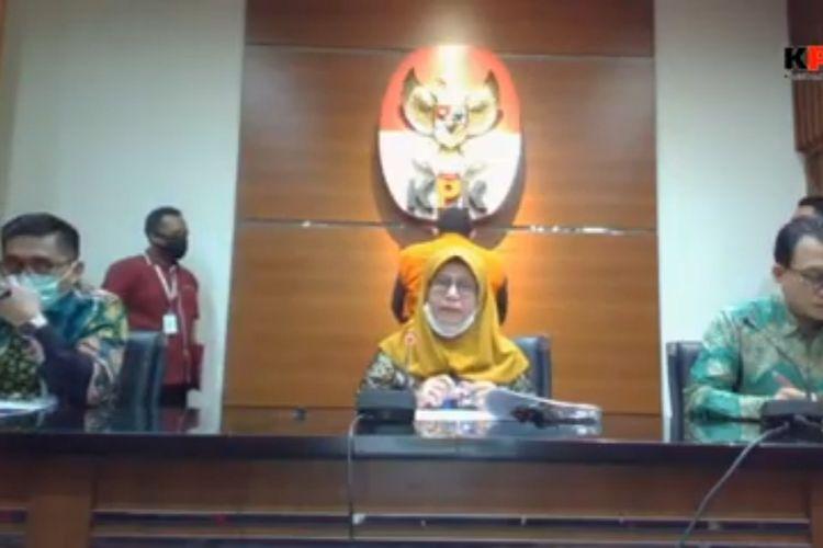 Wakil Ketua KPK Lili Pintauli Siregar dalam konferensi penahanan tersangka kasus dugaan korupsi terkait pengadaan Ruang Terbuka Hijau Kota Bandung Tahun Anggaran 2012-2013, Dadang Suganda, Selasa (30/6/2020).