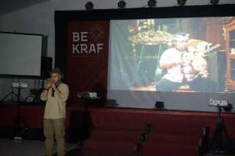 Budi Kurniawan, sutradara film dokumenter 'Aroma of Heaven' diputar pada acara pada Forum Peningkatan Kreativitas dan Akses Permodalan Industri Kopi Lokal yang digelar Bekraf, Sabtu (17/12/2016) malam di Gedung Wanita Banyuwangi, Jawa Timur.